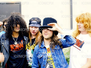 lars ulrich with Guns N' Roses