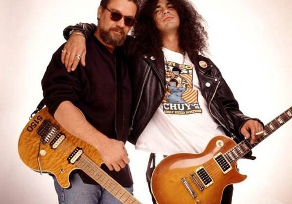Hipster Doesn T Realize He Asked Eddie Van Halen To Take His Photo Guns N Roses Central Latest Guns N Roses News Videos