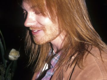Axl Rose of Guns N' Roses at Rock and Roll Hall of Fame Waldorf Astoria, New York, January 19, 1994. (Photo by Steve Eichner/Getty Images)